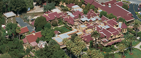 Grand Estate - Winchester Mystery House