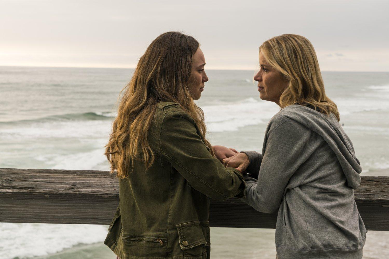 FTWD 2x13 recap - Alycia Debnam-Carey and Kim Dickens