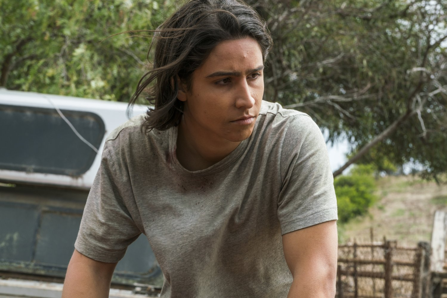 Fear The Walking Dead - 2x13 recap - Lorenzo James Henrie as Chris Manawa