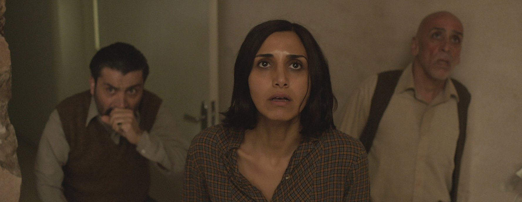 Under the Shadow (4/5)
