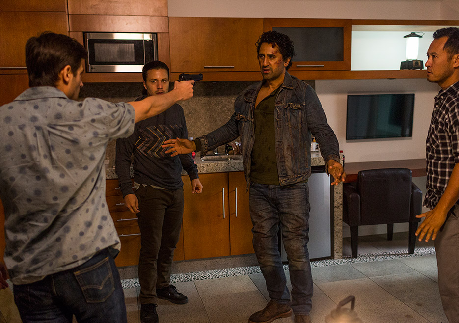 FTWD season finale - 215 recap - Raul Casso and Ramses Jimenez with Cliff Curtis