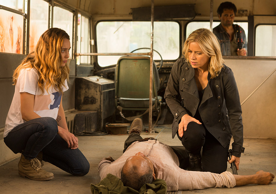 FTWD season finale - 2x15 recap - Alycia Debnam-Carey and Kim Dickens and Paul Calderon and Cliff Curtis